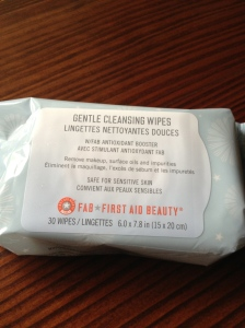 FAB First Aid Beauty  Gentle Cleansing Wipes